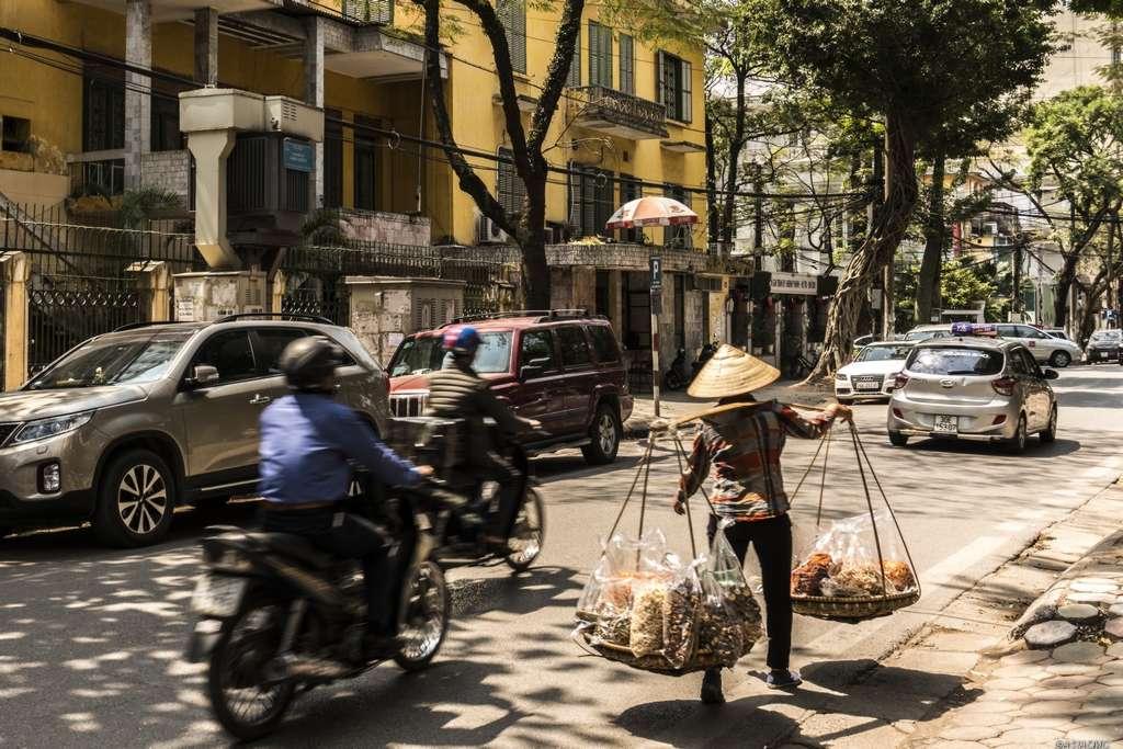 traßenszene in der Altstadt von Hanoi