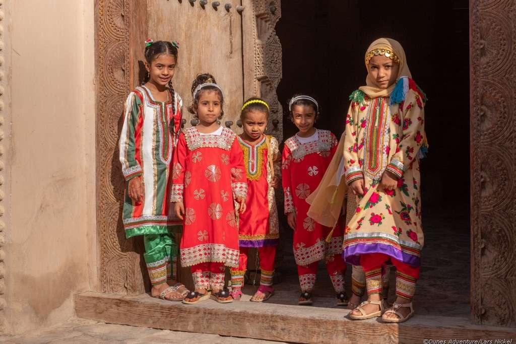 Kinder in Nizwa, Oman