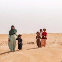 Beduinenfamile in der Wahiba Wüste, Oman